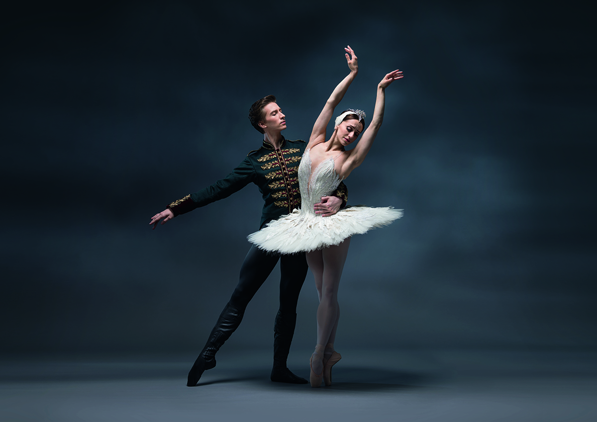 SEE THE ULTIMATE CLASSICAL BALLET, SWAN LAKE, LIVE FROM THE ROYAL OPERA HOUSE THIS APRIL